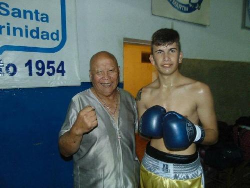 Boxeo amateur - Juan Cruz Aphelanz pelea por el título provincial.