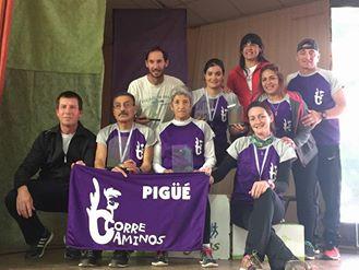 Atletismo - El equipo de Correcaminos Pigüé presente en la maratón de Villa Iris .