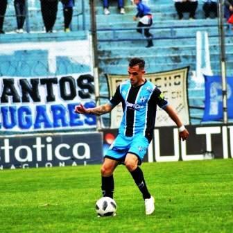 Marcos Litre se despide de Almagro luego de una temporada en el club.
