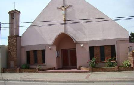 Misa en la capilla de la Santa Cruz de Pigüé