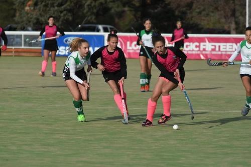 Hockey Femenino - El Sub 14 de la Federación debutó en Bahía Blanca.