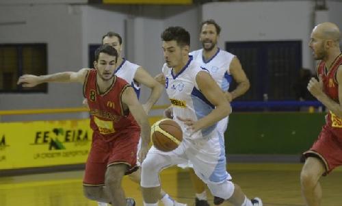 Basquet Federal - Bahiense derrotó a El Nacional y toma la punta - Gran noche de Silva, 21 puntos y 9 rebotes.