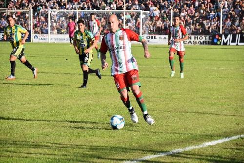 Nacional B - Agropecuario derrotó a Aldosivi y es puntero del torneo - Martín Prost formó parte del banco del Sojero.