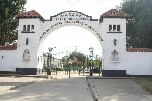 LRF - En el Parque Felisa Igartúa de Alberdi, Blanco y Negro vs Huanguelen completan la fecha el miércoles 21:30.