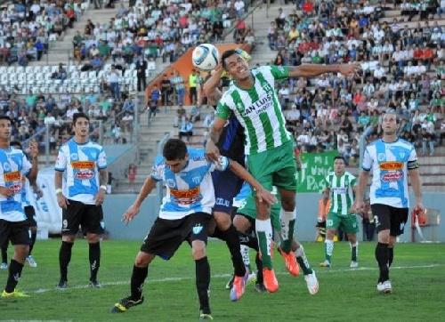 Nacional B - Juventud Unida derrotó a Estudiantes de San Luis y permanece en la categoría - Martín Prost titular.