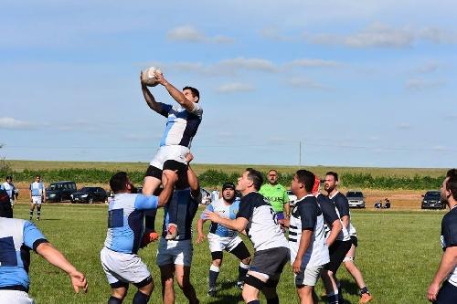 Rugby - Club Sarmiento se presentó en Bahía Blanca.