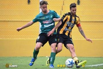 Liga del Sur - Nicolás Cabral jugó ante Pacífico de Cabildo.