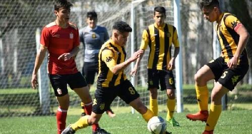 AFA - Inferiores - La quinta división con Cabral y Otondo cayó ante Estudiantes de La Plata.