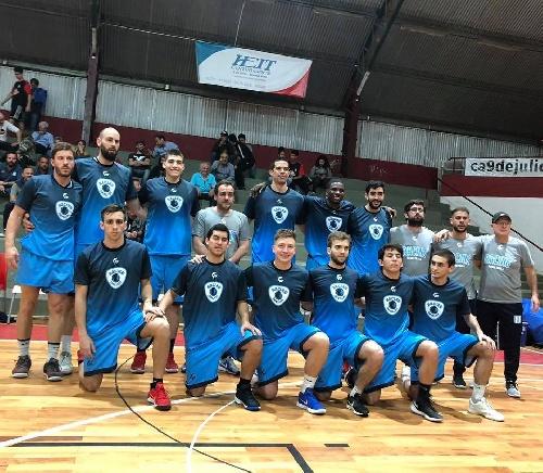 Liga Argentina de Basquet - Ultimo amistoso para Racing de Chivilcoy con Erbel De Pietro.