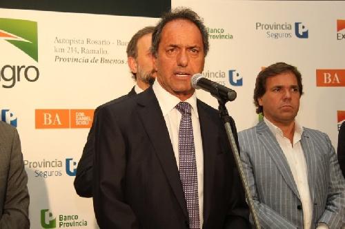Scioli respondió tajante a los reclamos de Aníbal Fernandez.: