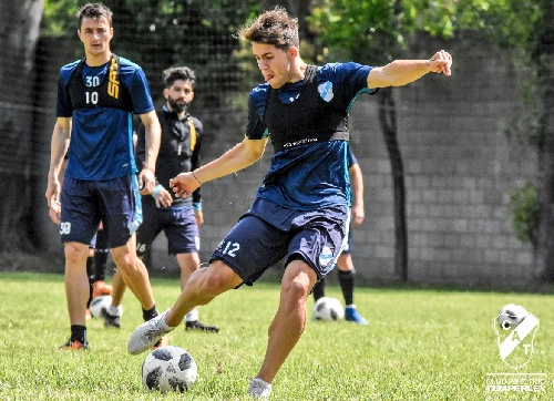 Copa Argentina - Leandro González entrena con Témperley a la espera de Rosario Central.