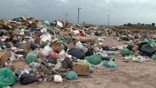 """Pigüé """"pago limpio """": Las montañas de basura, los olores putrefactos y el peligro sanitario"""