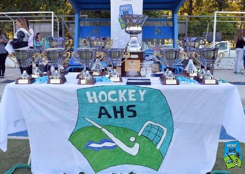 Hockey de la Asociación - Se entregaron ayer los premios anuales en el Parque Municipal.
