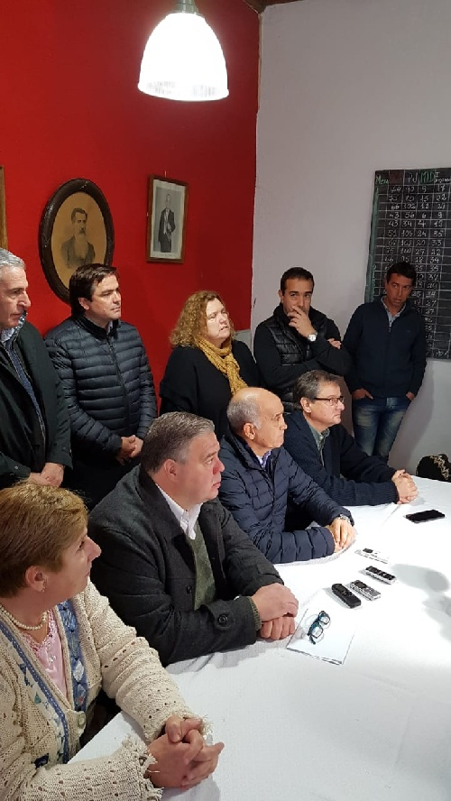 El vicegobernador bonaerense Daniel Salvador inició con una conferencia de prensa las actividades en Pigüé