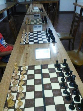 Ajedrez - Dio comienzo el Torneo de Verano en el club local.