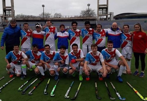 Hockey Masculino - Dura derrota del Cef 83 ante El Nacional.