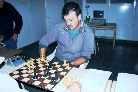 Ajedrez - Jorge Nobo venció a Bernardini y sigue puntero.