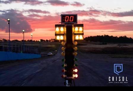 Culminación del asfaltado en el autódromo bahiense Ezequiel Crisol.