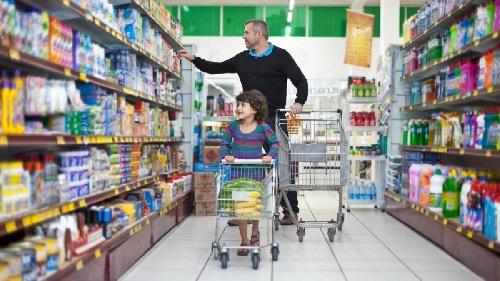 De la autorización a progenitores para ingresar sus hijos a comercios