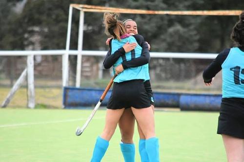 Hockey Femenino - La Federación del SudOeste venció a Noroeste.