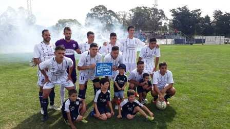 LRF - Club Sarmiento, único equipo pigüense que ganó y sumó.