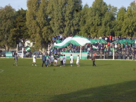 LRF - Atlético Huanguelén clasificó a Semifinales en cancha de Sarmiento al vencer al local por uno a cero.