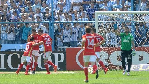 AFA 1ra División - Derrota de Atlético Tucumán ante Estudiantes - Leo González ingresó en el 2° Tiempo.