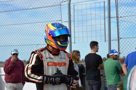 Turismo Nacional - Fernando Gómez Fredes correrá con un Nissan March.