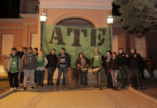 Santa Cruz : Se agrava la toma de la Casa de Gobierno