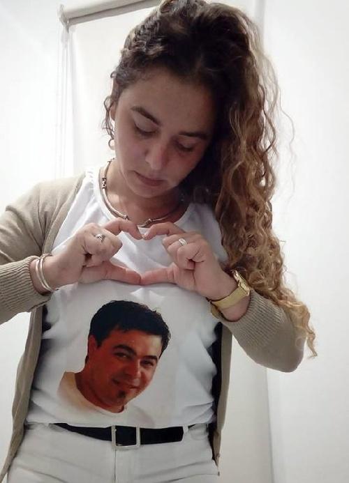 Silvina Diaz con familiares y amigos reclaman condena de la justicia por la muerte del musico Nestor Diaz