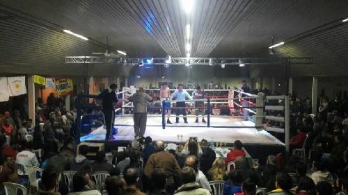 Organizado por Walter Cabral se realizó un festival boxístico el pasado viernes en Bonifacio.
