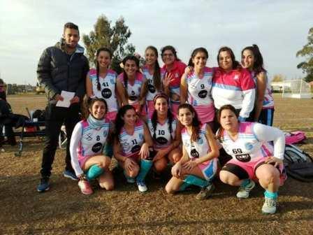 Hockey Femenino - El Ceibo de Casbas y Unión Pigüé se suman a la federación.
