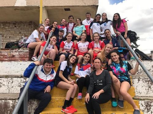 Handball Femenino - Victoria del Cef 83 en Menores y Juveniles.