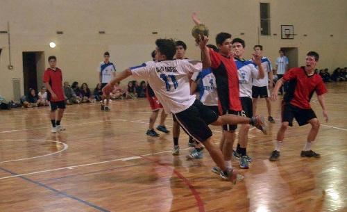 Handball - Menores - Sarmiento/Cef 83 cayó como local ante Guaminí.