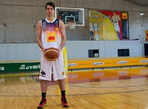 Basquet Bahiense - Once puntos de Esteban Silva para la victoria de Bahiense ante El Nacional.