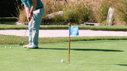 Golf - Exitosa presentación de golfistas locales en Coronel Pringles.