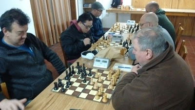 Ajedrez - Etchepareborda derrotó a Nobo y es puntero del torneo local.