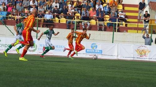 Calcio Serie E - Sexta victoria para el Isola con Ginobili en cancha.