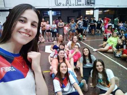 Handball Femenino - Las menores del Cef 83 campeonas en Pehuajó.