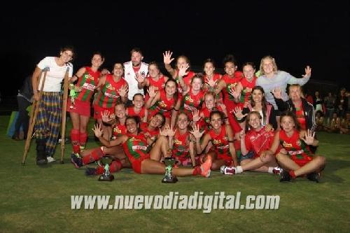 Hockey Femenino - Deportivo Sarmiento campeón en primera. El CEF 83 quedó tercero.