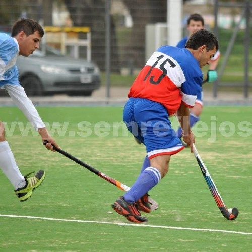 Hockey Masculino - Triunfo del Cef 83 sobre Boca Juniors en Coronel Suárez.