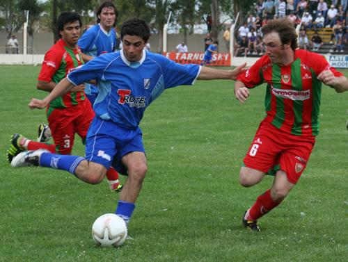 LRF - Deportivo Sarmiento derrotó a Rácing de Carhué en el adelanto de la fecha.