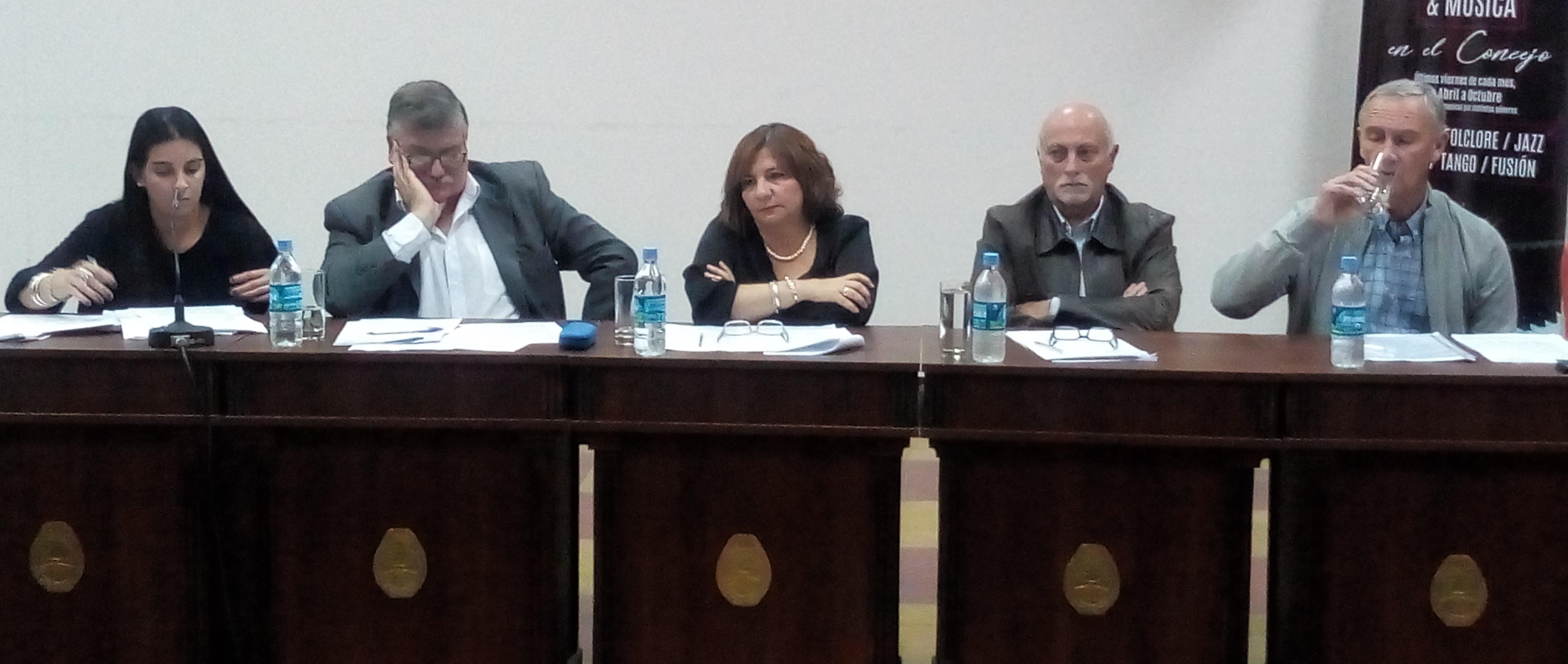 """El Bloque de Unidad Peronista presentó un proyecto de """"emergencia tarifaria"""""""