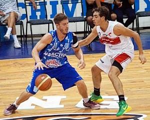 Basquet Chivilcoy - Racing aplastó a Argentino con 17 puntos de Di Pietro.