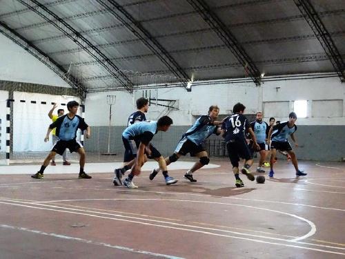 Handball 1ra División -  Sarmiento y el Cef 83 jugaron en Daireaux por una nueva fecha.