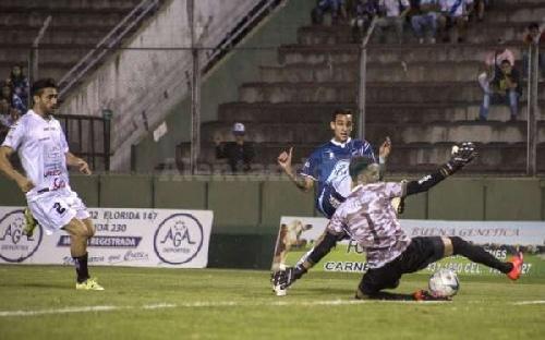 Federal A - Empate de Juventud Antoniana ante Altos Hornos Zapla con la presencia de Marcos Litre.
