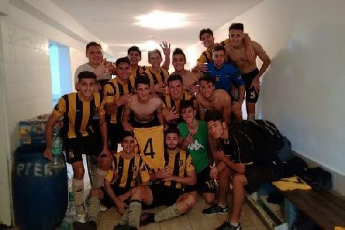AFA - Inferiores - Festejo de Olimpo en 5ta con un gol de Otondo ante Atlético Tucumán.
