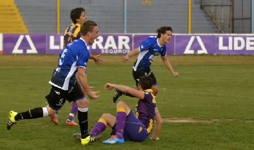 Federal B - Con gol de Mauricio Kent, Liniers derrotó a Tiro por la primer fecha del torneo.