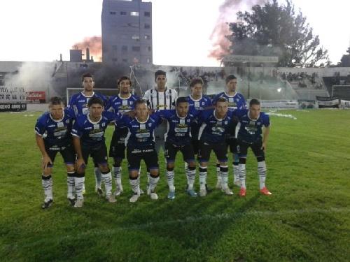 Liga Del Sur - Liniers empató con Sporting de Punta Alta. Lagrimal y Kent titulares en la defensa del Chivo.