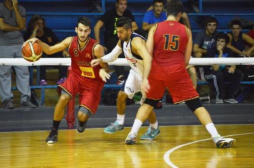 Basquet Bahiense - Con 10 anotaciones de Silva, Bahiense derrotó a Estudiantes.